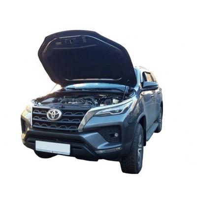 Амортизаторы капота Toyota Fortuner 2 2015-
